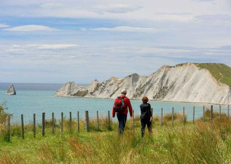 Walking Cape Kidnappers1 X3 1