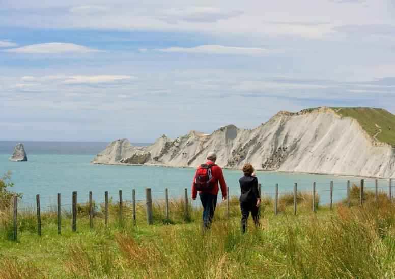 Walking Cape Kidnappers1 X3
