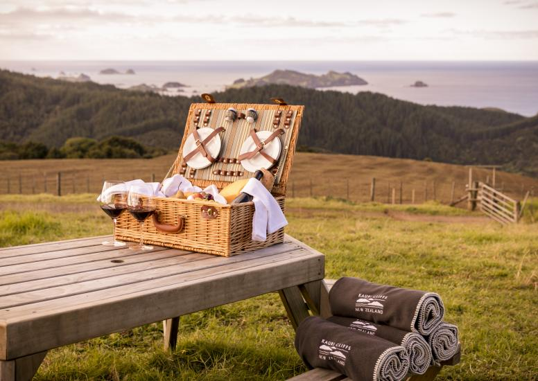 Kauri Cliffs Waiaua Bay Lookout Picnic Table 2