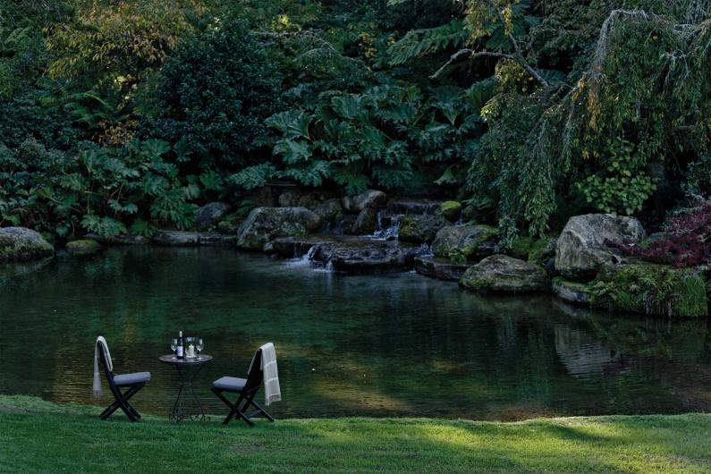 Huka Lodge Water garden dining